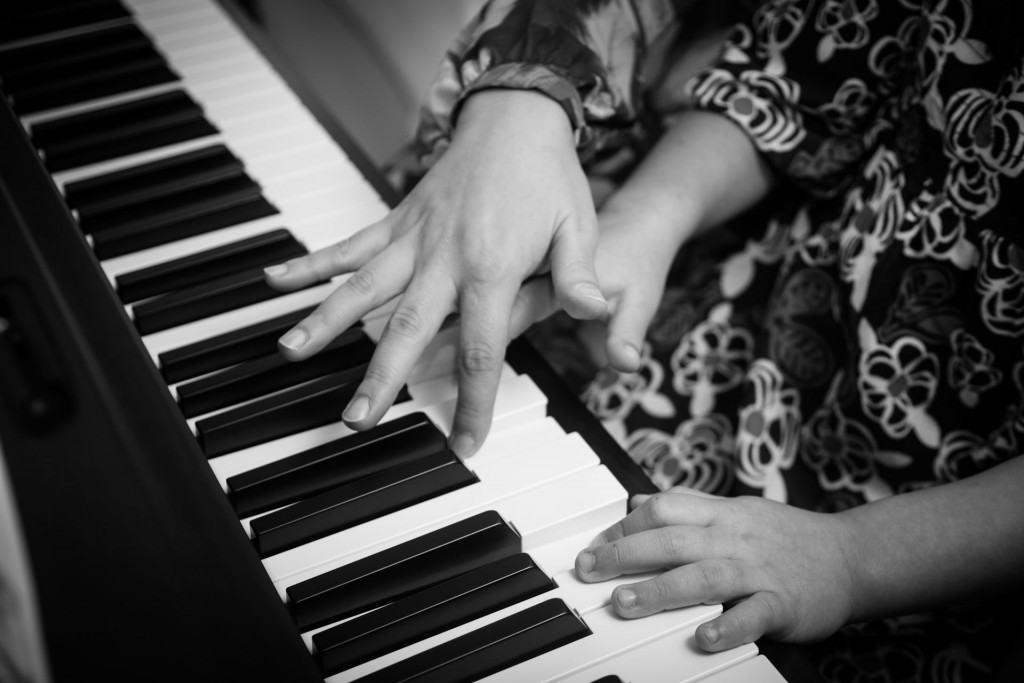 Jay-Hands-Piano