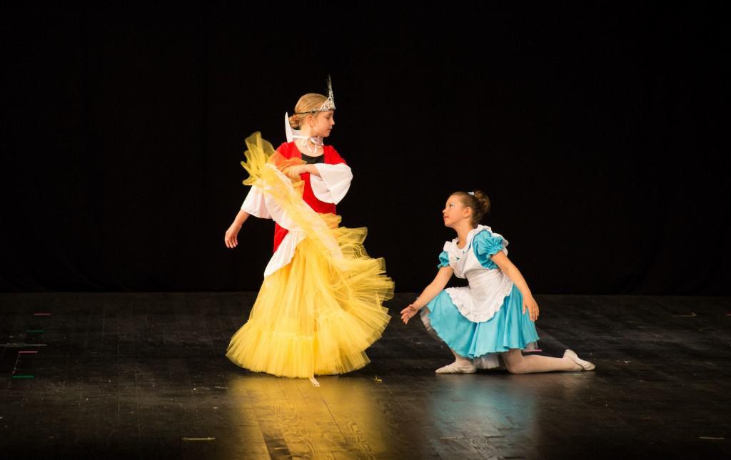 Školica Baleta Zvončica: Kraljica i Alisa